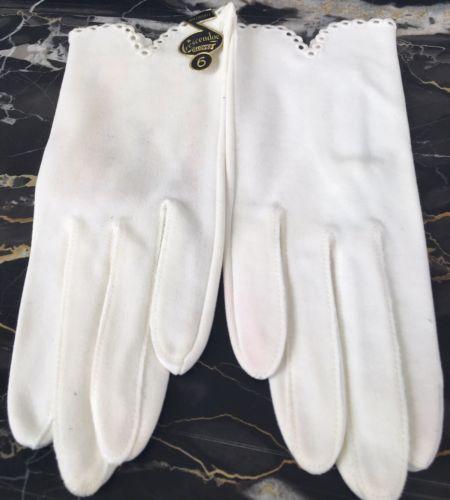 NEW W TAG VINTAGE CRESCENDOE WOMEN'S WHITE DRIVING DRESS GOWN CUTOUT GLOVES SZ 6