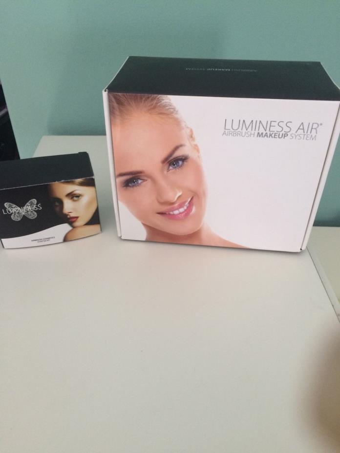 Luminess Airbrush Makeup Stystem with 8 bottle makeup kit