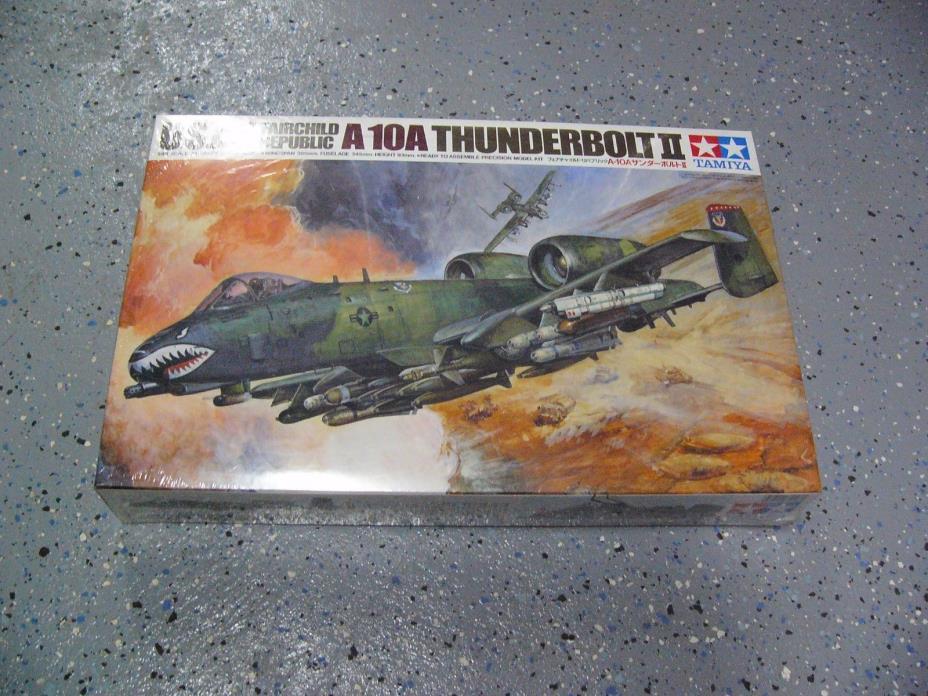 Tamiya 61028 1/48  USAF A-10 Thunderbolt II  Warthog