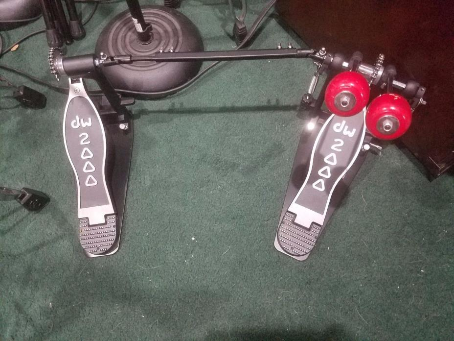 DW 2000 Double Bass drum Pedal Barely Used With Danmar Wooden Beaters NICE!!!
