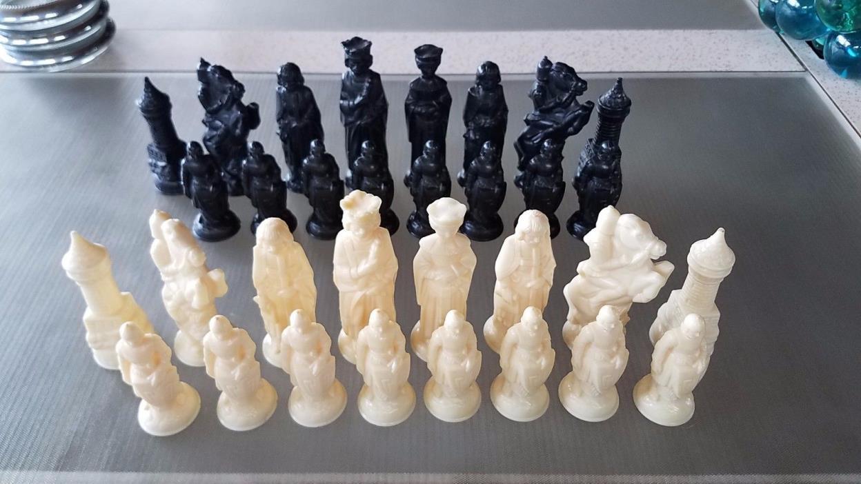 Vintage Anri Chess Pieces 32 Piece Set Renaissance Medieval Camelot Black Ivory