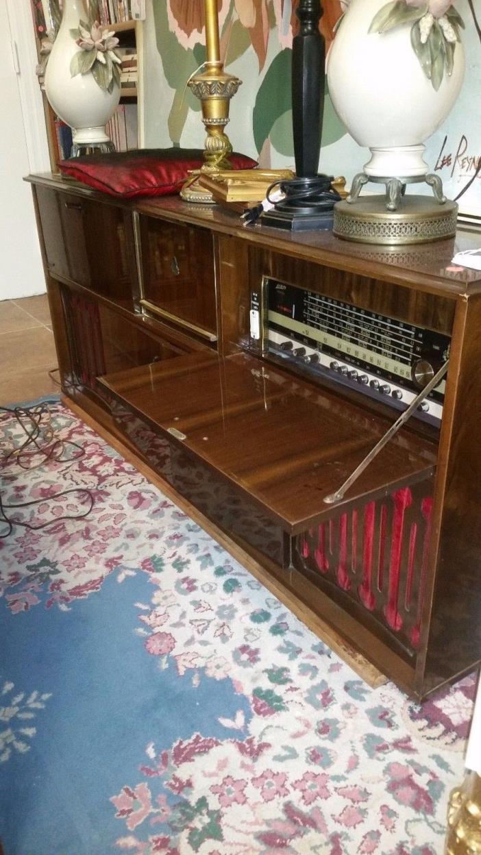 1960's Vintage Lion Prinz Stereo Console