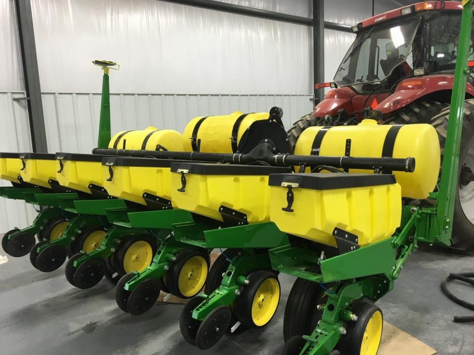 John Deere 7000 Planter 6 Row