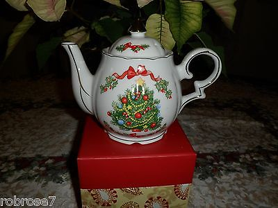 Lefton Christmas Musical Teapot