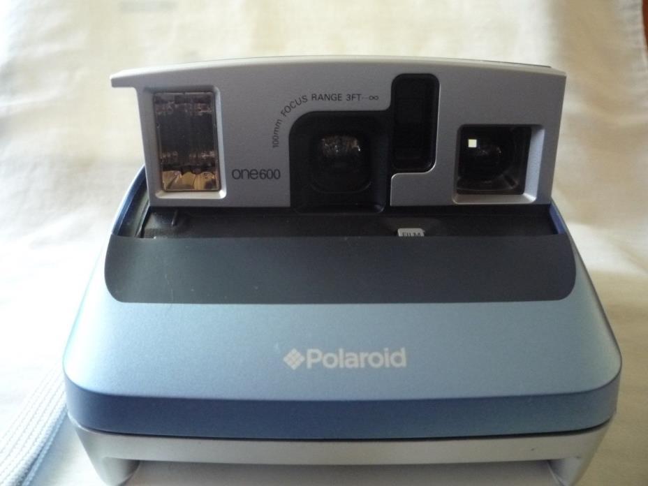 Polaroid One600 Classic Instant Film Camera
