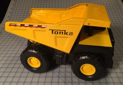 Tonka 4000 Metal Truck Toy