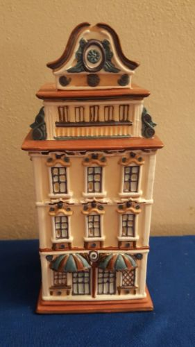 Partylite Cafe Vienna Tealight House Candle Christmas Village