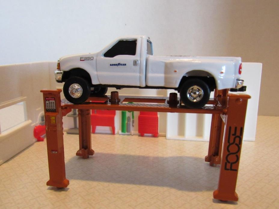 1/64 Ertl Farm Toy CUSTOM MECHANIC AUTO SHOP WITH GOOD YEAR TRUCK, HOIST WALLS