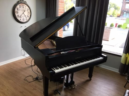 Yamaha G5 Grand Piano