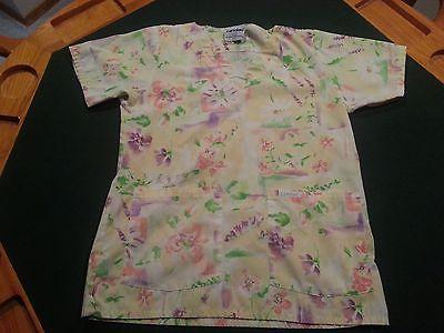 Women's Short Sleeve Landau pattern Scrub top w/ pockets - Size S - lot 936