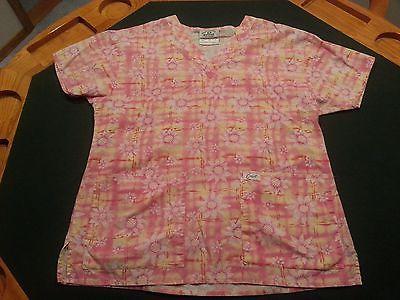 Women's Short Sleeve Crest pattern Scrub top w/ pockets - Size S - lot 934