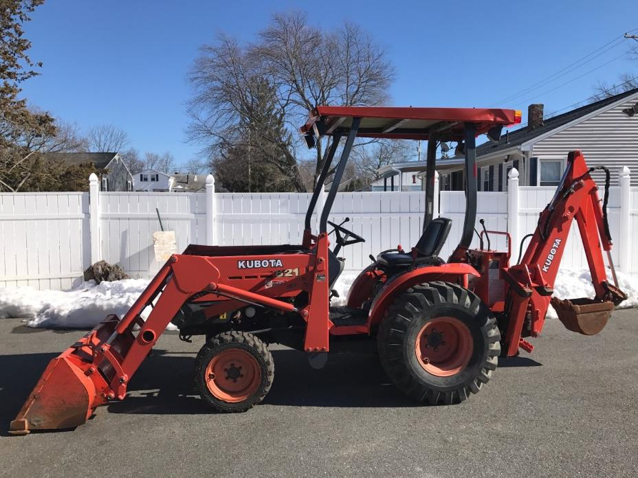 2004 Kubota B21 Tractor 4x4 Diesel Backhoe, Loader Attachments Work Ready