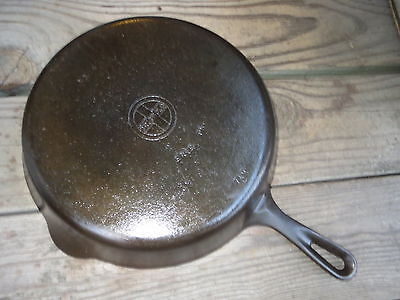 Griswold No.9 Cast Iron Skillet Small Block Logo P/N 710E