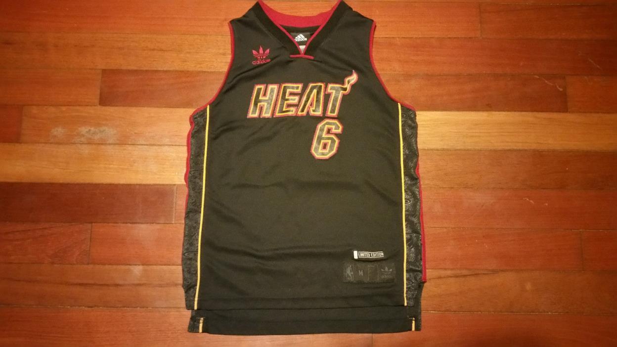 Vtg kids NBA Miami Heat Lebron James NBA jersey RARE youth cavs 3 Cleveland 305