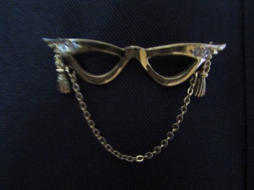 Small Eye Glass Holder Brooch