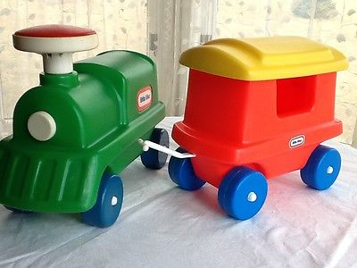 Little Tikes ride on train & caboose