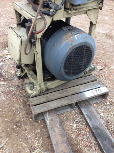 Hydraulic power with 75HP Vickers pump Motor Pump Only Used