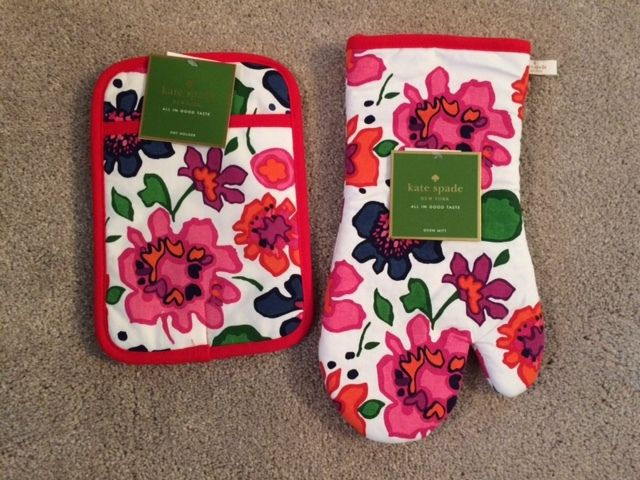 KATE SPADE NEW YORK Festive Floral Printed Pot Holder and Oven Mitt - NWT!
