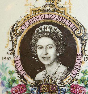 Vintage Trinket Dish Pin Tray Queen Elizabeth Silver Jubilee Lord Nelson England