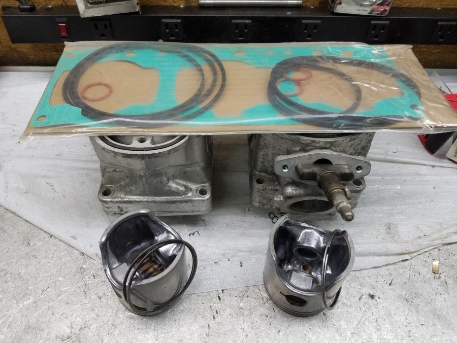 Rotax 700 triple cylinders pistons, rings with pictured gaskets