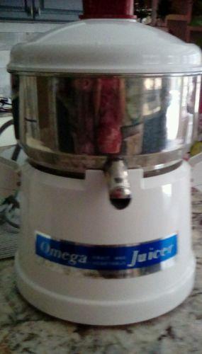 /OMEGA-1000-FRUIT-VEGETABLE-JUCER-LIGHTLY usec