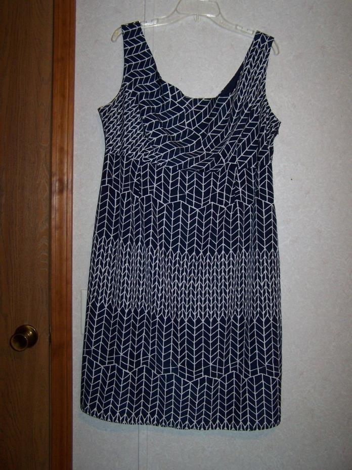 GAP MATERNITY BLUE AND WHITE SLEEVELESS DRESS SIZE LARGE