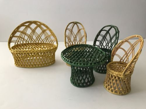 Vintage Small WICKER FURNITURE Barbie Size Table Chairs Loveseat Yellow Green!