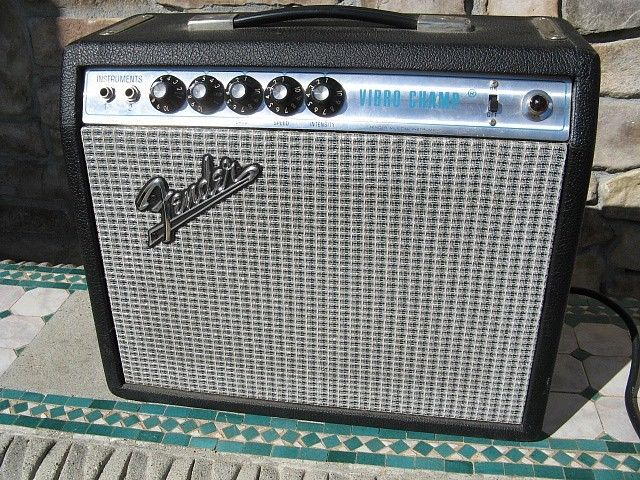 Vintage 1973 Fender Vibro Champ Tube Guitar Amplifier Amp & Cover