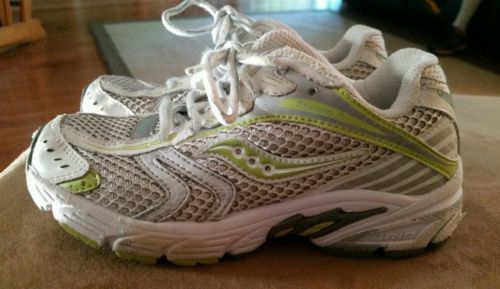 Toddler Girls Size 12.5 Saucony Triumph 7 Athletic Shoes