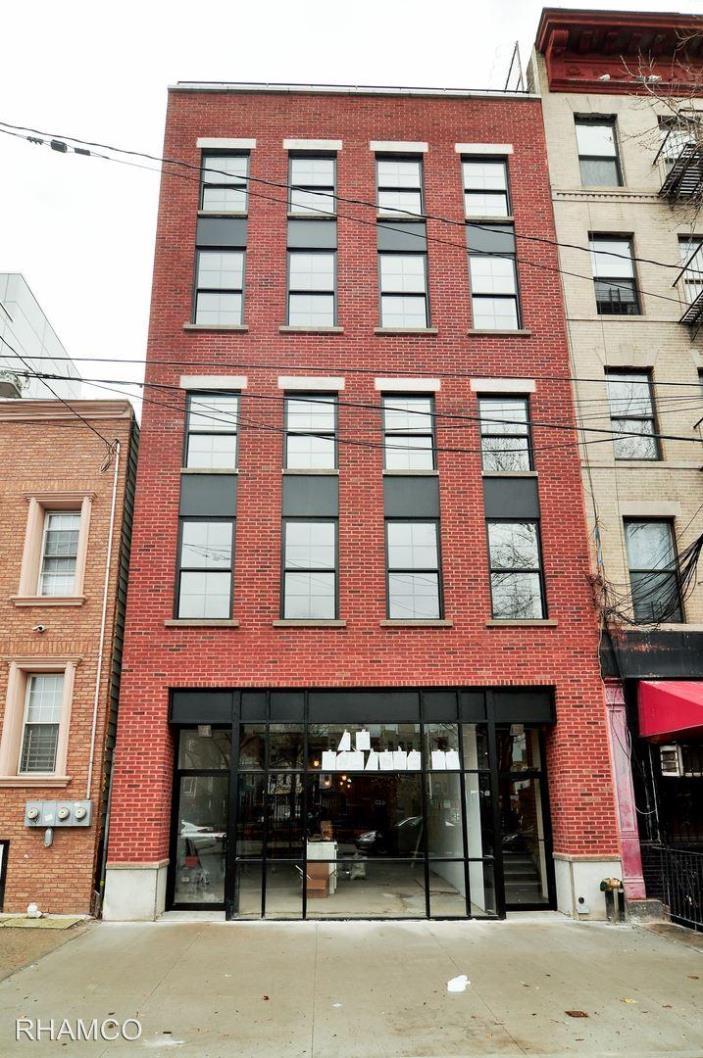 Rental Room for rent 2421 Arthur Ave Bronx