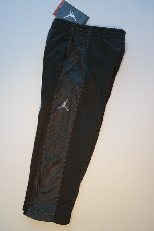 NEW NWT AIR JORDAN NIKE JUMPMAN Black-on-Black Therma-Fit Athletic Pants Boys 3T