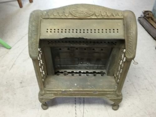 Vintage Wilsback, Brilliant Fire Gas Space Heater Cast Iron and tin pat 1920