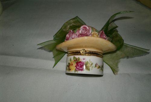 Royal Albert Country Roses Hat or bonnet trinket box with original box