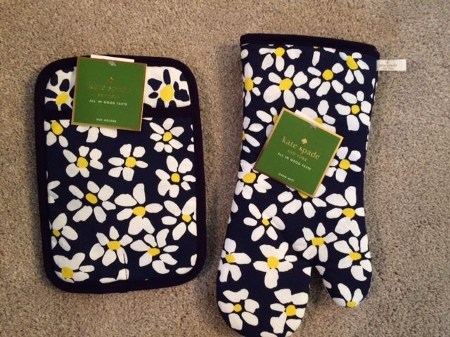 KATE SPADE NEW YORK French Navy Daisy Fields Pot Holder and Oven Mitt - NWT!