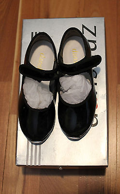 Danshuz Strap Tap Shoes - Child Size 9 1/2 M
