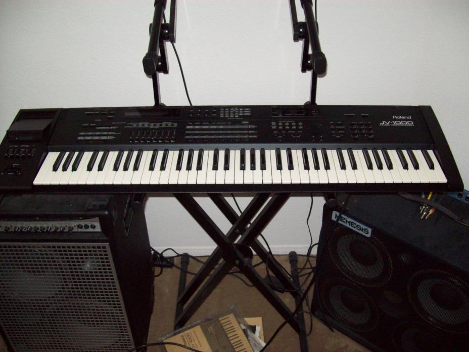 ROLAND JV-1000 KEYBOARD WORKSTATION