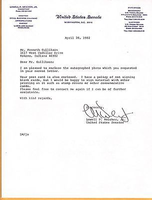 Lowell P. Weicker, Jr-signed letter-32