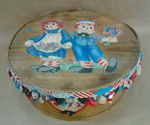 Decorated RAGGEDY ANN & ANDY vintage DUFECK round wood cheese box