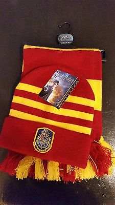 Harry Potter Griffindor hat and scarf