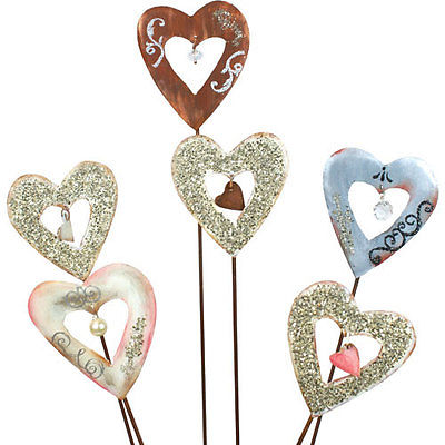 Round Top Collection Vintage Style Heart Mini Stake Style: Pink and White Paint