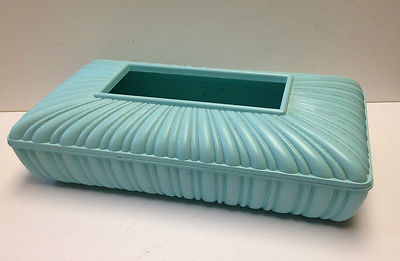 VINTAGE DECORATIVE  TISSUE BOX HOLDER~GREEN+PLASTIC, BAKELITE?