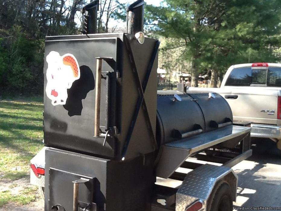 BBQ SMOKER COOKER