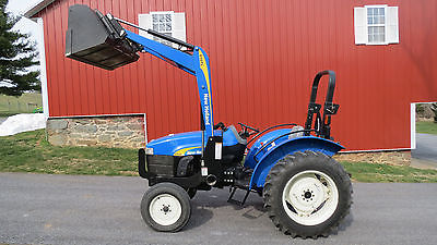 VERY NICE NEW HOLLAND TT45A UTILITY TRACTOR W/ LOADER 217 HOURS 40HP DIESEL