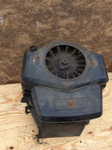 Briggs & Stratton 16 Hp  Twin Engine John Deere 116 Motor