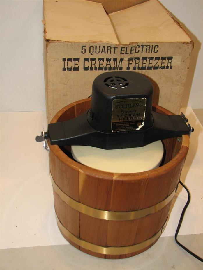 Vintage RICHMOND CEDAR WORKS 5 Quart Electric Ice Cream Freezer Maker 165A