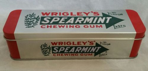 Chewing Gum Empty Wrigley's Spearmint Collectible  Metal Tin Hinged  Container