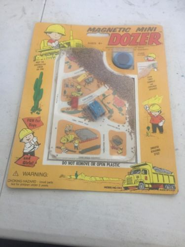 SMETHPORT MINI DOZER MAGNETIC TRAVEL TOY NEW SLIGHT BEND TO CARDBOARD