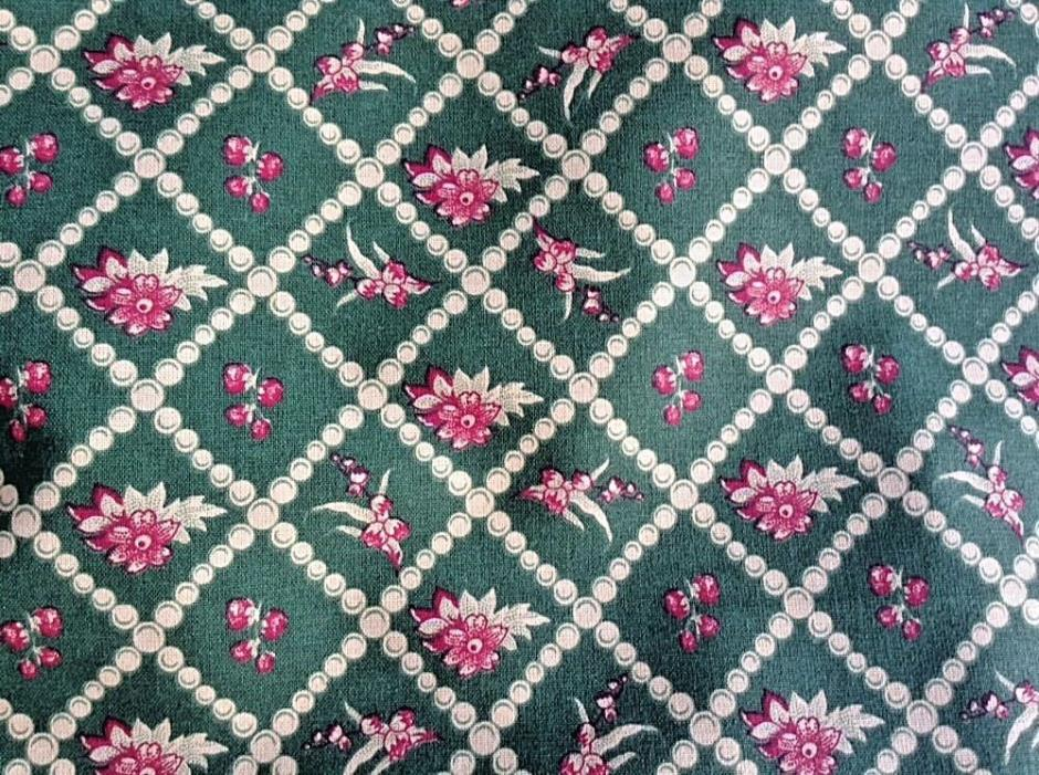 Pierre Deux France Perles Et Fleurs French Country Fabric 4 Yds Uncut Green/Red