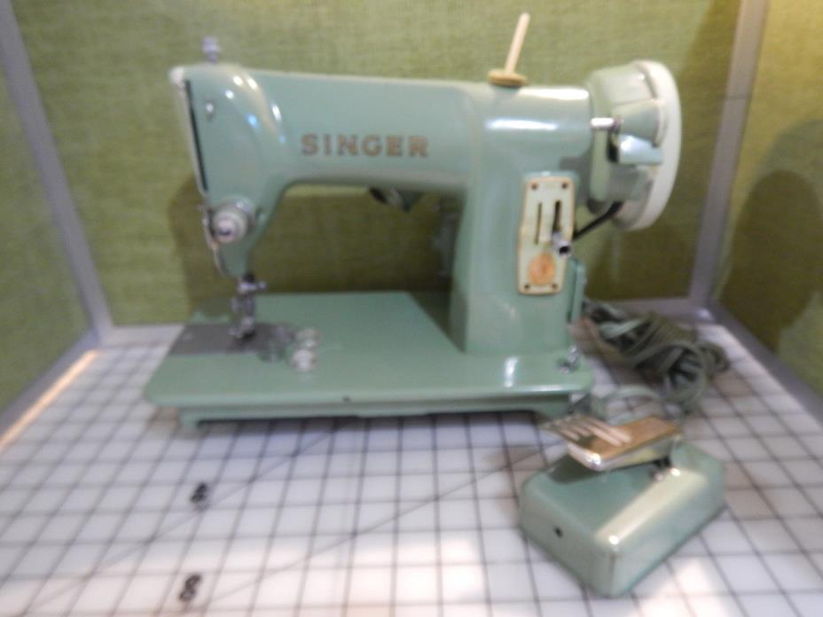 Singer 185K Sewing Machine Portable Heavy Duty