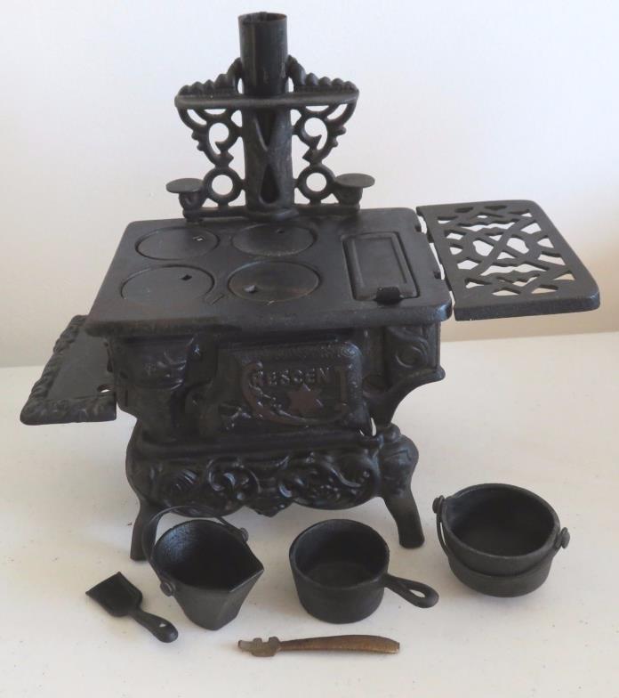 antique cast iron cookware for sale classifieds. Black Bedroom Furniture Sets. Home Design Ideas